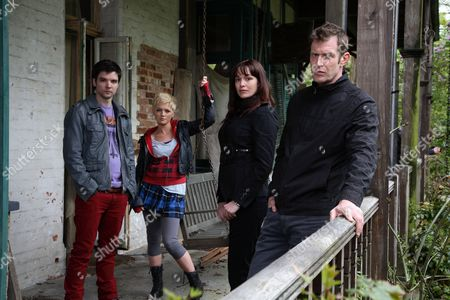 'Primeval' TV programme - Series 3: Andrew Lee Potts, Hannah Spearritt, Lucy Brown and Jason Flemyng