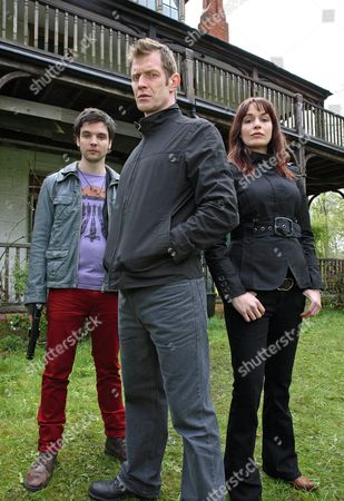 'Primeval' TV programme - Series 3: Andrew Lee Potts, Jason Flemyng and Lucy Brown