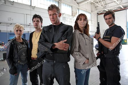 'Primeval' TV programme - Series 3: Hannah Spearritt, Andrew Lee Potts, Jason Flemyng, Lucy Brown and Ben Mansfield