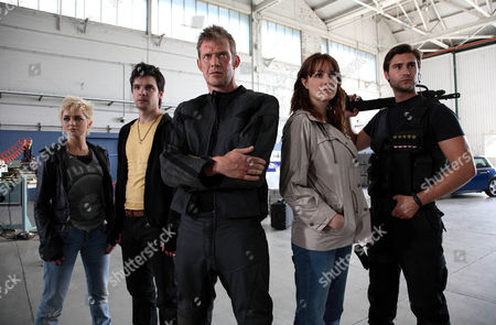 'Primeval' TV programme - Series 3: L-R: Hannah Spearritt as Abby Maitland, Andrew Lee Potts as Connor Temple, Jason Flemyng as Danny Quinn, Lucy Brown as Jenny Lewis and Ben Mansfield as Captain Becker