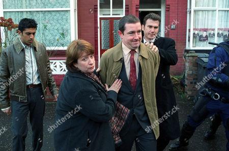 'Blue Murder' TV programme - Series 2 - Pictured L-R: Shaz [Sushil Chudasama], Janine [Caroline Quentin], Barry Jones [Daniel Ryan] and Richard [Ian Kelsey].