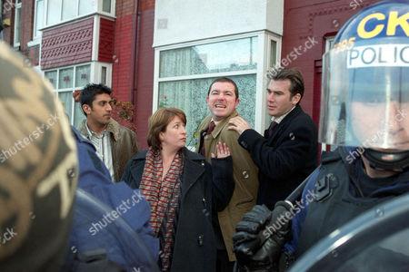 'Blue Murder' TV programme - Series 2 - L-R: Shaz Chowdhary [Sushil Chudasama], Janine Lewis [Caroline Quentin], Barry Jones [Daniel Ryan] and Richard Mayne [Ian Kelsey].