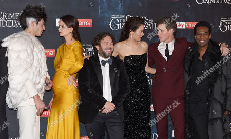 Ezra Miller, Katherine Waterston, Dan Fogler, Claudia Kim, Eddie Redmayne and William Nadylam