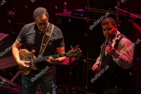 Stanley Clarke in concert - Stanley Clarke, acoustic and electrical double bass and Evan Garr, violin