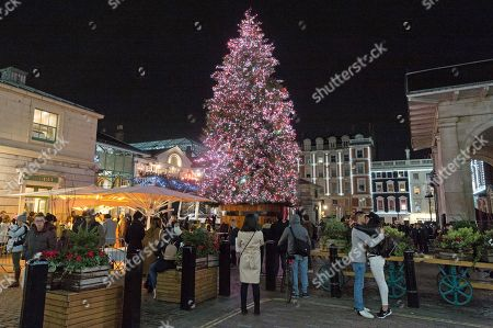 Covent Garden Christmas Lights Switch On London Stock Photos