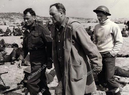 1958, (Sir) John Mills, Bernard Lee, Sean Barrett, Leslie Norman, Ealing, Scene Still, Landscape,