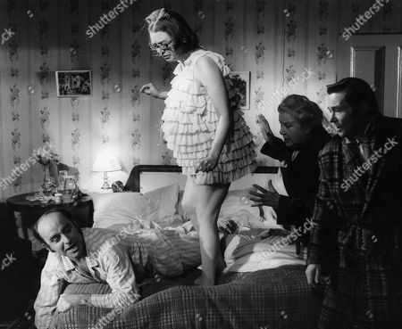 1972, Michael Robbins, Anna Karen, Doris Hare, Reg Varney, Hammer/Anglo-EMI, Scene Still, Comedy, Landscape,