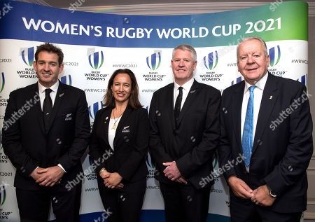 Mark Robinson and Farah Palmer from the New Zealand Bid Team, Steve Tew (New Zealand World Rugby Council Member) and Bill Beaumont (World Rugby Chairman)