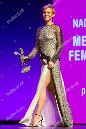 Spanish actress Aura Garrido poses after receiving the Best Female Performance award during the Onda Award ceremony in Barcelona, Spain, 14 November 2018.