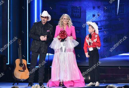 Brad Paisley, Carrie Underwood, Mason Ramsey