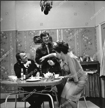 Jack Smethurst (as Percy Bridge), Philip Lowrie (as Dennis Tanner) and Pat Phoenix (as Elsie Tanner)