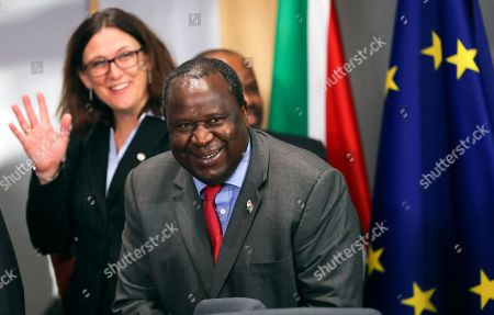 South African Finance Minister Tito Mboweni (R) and European Commissioner for Trade Cecilia Malmstrom (L) during the 7th EU-South Africa summit in Brussels, Belgium, 15 November 2018. European Union and South African leaders meet to discuss bilateral relations.