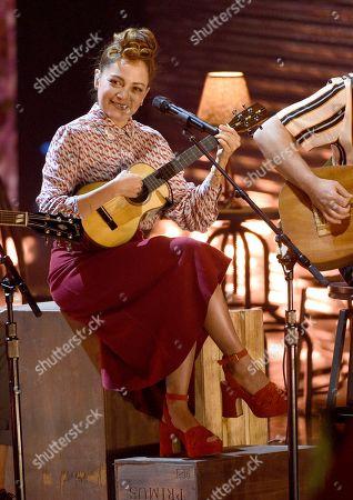 Natalia Lafourcade performs 'Telefonia'