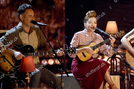 Jorge Drexler, left, and Natalia Lafourcade perform 'Telefonia'