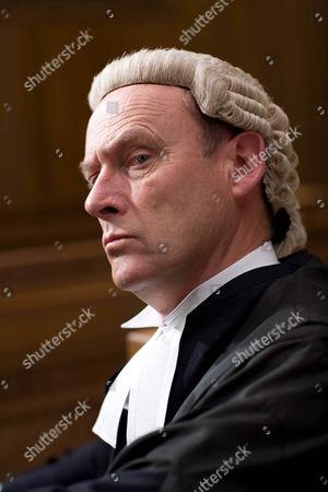 'Law and Order' : UK - TV Patrick Malahide Episode:  'Care'