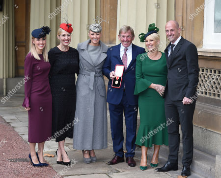 Sir Kenny Dalglish gets a Knighthood for his services to Football, to Charity and to the City of Liverpool, at Buckingham Palace. L-r  Lauren Dalglish  Kelly Cates  Lyndsey Robinson  Kenny Dalglish  Marina Dalglish And Paul Dalglish