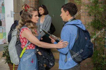 Stock Photo of Jenna Boyd as Paige and Keir Gilchrist as Sam Gardner