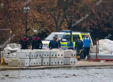 Possible unexploded ordnance in The Serpentine, London