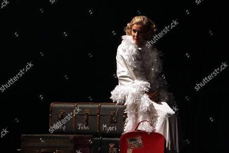 "Doreen Wells (former No 2 to Margot Fonteyn) danced ""Fantasy"""