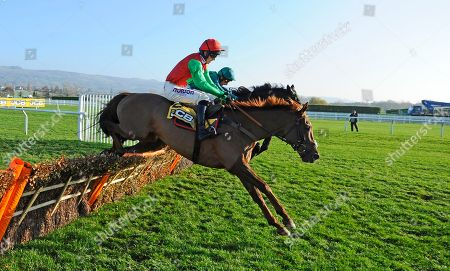 Horse Racing - 17 Nov 2018