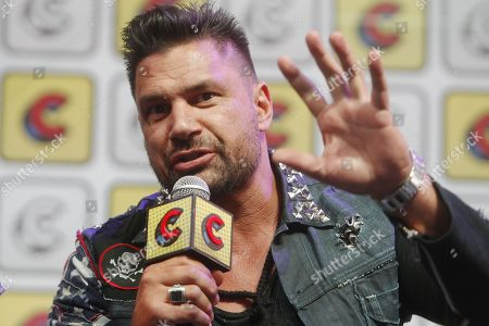 New Zealander Manu Bennett speaks in a forum during the second day of the Comic Con, in Medellin, Colombia, 17 November 2018. Bennett is recognized for his roles in Spartacus and The Hobbit playing Crixo and Azog respectively.