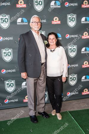 Former New York Jet Steve Thompson, left, attends the New York Jets Super Bowl III 50th anniversary dinner at MetLife Stadium, in East Rutherford, N.J