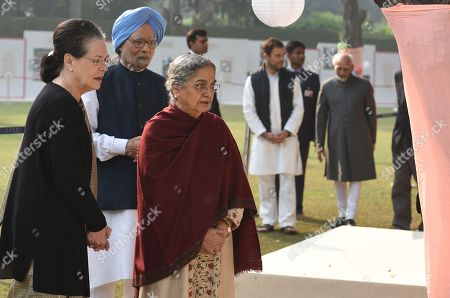 UPA Chairperson Sonia Gandhi with former Prime Minister Manmohan Singh and his wife Gursharan Kaur