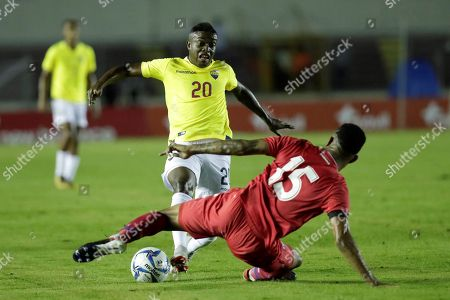Ecuador's Jhegson Mendez (L) vies for the ball with Panama's Eric Davis (R) during the international friendly soccer match between the national soccer teams of Panama and Ecuador at Rommel Fernandez National stadium in Panama City, Panama, 20 November 2018.