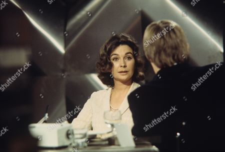 'The Simon Dee Show'  TV - 1970 - Jean Simmons and Simon Dee.