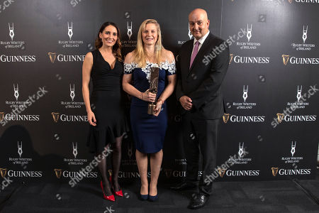Jennifer Gleeson, Diageo and and Simon Lewis, Chairman of the Rugby Writers of Ireland present Claire Molloy with the Women's Player of the Year award
