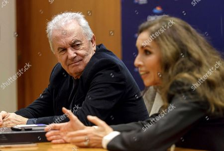 Spanish singers Victor Manuel (L) and Ana Belen (R) attend a press conference on occasion of their participation in the talk 'The world we want' by the CajaCanarias Foundation in Santa Cruz de Tenerife, Canary Islands, Spain, 21 November 2018.