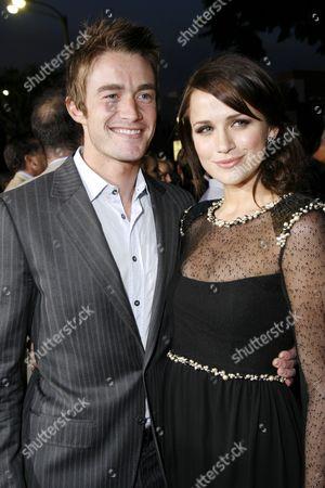 Rob Buckley and Shantel VanSanten