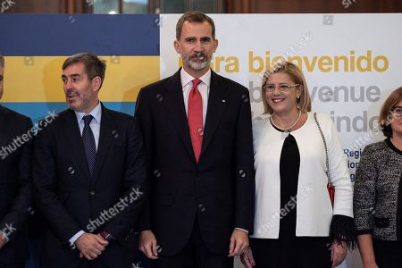 King Felipe VI of Spain (C) poses with Canary President Fernando Clavijo (L) and European Territorial Policy Commissioner Corina Cretu (R) during the official dinner of the 23rd Conference of Presidents of Ultra-peripheral regions of the European Union in Las Palmas de Gran Canaria, Canary Islands, Spain, 22 November 2018.