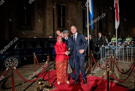 Stock Image of Prime Minister Mark Rutte with President Halimah Yacob of the Republic of Singapore and her husband Mohamed Abdullah Alhabshee