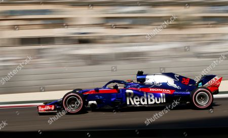 New Zealand's Formula One driver Brendon Hartley of Scuderia Toro Rosso steers his car during the first practice session of the Abu Dhabi Formula 1 Grand Prix 2018 at the Yas Marina Circuit in Abu Dhabi, United Arab Emirates, 23 November 2018. The Formula One Grand Prix of Abu Dhabi will take place on 25 November 2018.