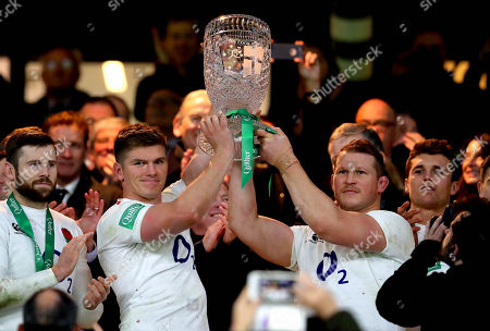 England vs Australia. England's Owen Farrell and Dylan Hartley lift The Cook Cup