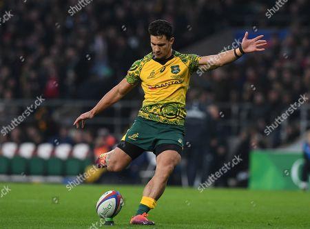 Australia's Matt Toomua scores a conversion kick during the Rugby autumn international match between England and Australia at Twickenham stadium in London, Britain, 24 November 2018.