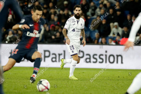 Toulouse's Jimmy Durmaz (C) during the French Ligue 1 soccer match between Paris Saint-Germain (PSG) and Toulouse (TFC)  in Paris, France, 24 November 2018.