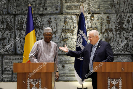 President Reuven Rivlin (R) welcomes President Idriss Deby Itno (L) of Chad during their meeting at the President's Residence in Jerusalem, Israel, 25 November 2018.
