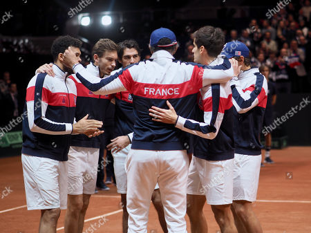 France's Jo-Wilfried Tsonga, Nicolas Mahut, Pierre-Hugues Herbert, Jeremy Chardy, Lucas Pouille and team captain Yannick Noah sing the national anthem