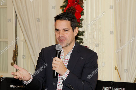 Dave Karger (moderator)