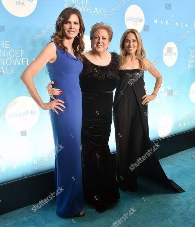 Desiree Gruber, Caryl Stern and Sheryl Crow