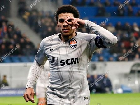 Donetsk's Taison celebrates after scoring the 2-0 lead during the UEFA Champions League Group F round match between TSG 1899 Hoffenheim and FC Shakhtar Donetsk in Sinsheim, Germany, 27 November 2018.