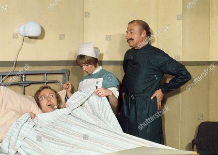 'Doctor in Charge'   TV Geoffrey Davies, Sammie Winmill and Ernest Clark